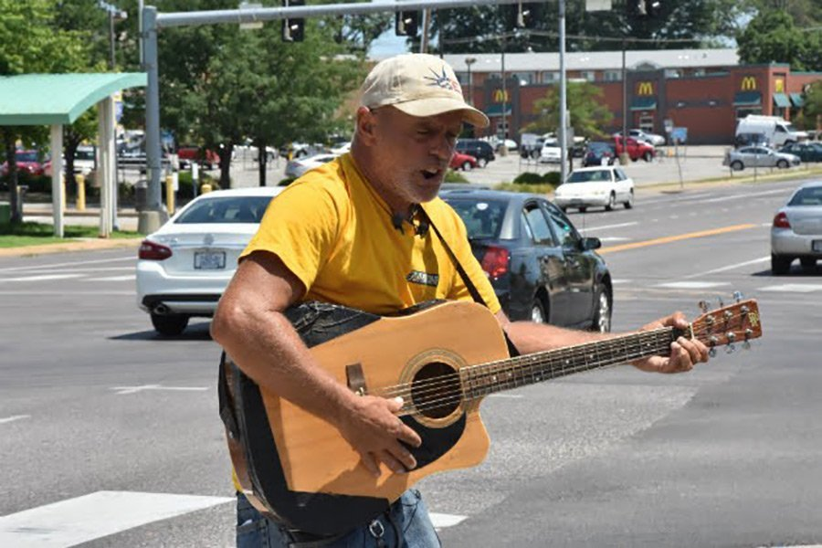 After Thieves Stole Guitar Man's Guitar, His Fans Stepped Up in a Big Way